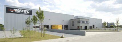 Autec erweitert Gebäude und verdoppelt Lagerkapazität
