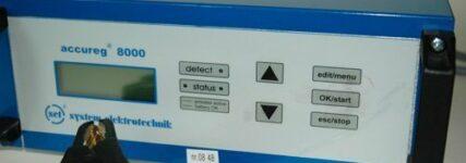 Überarbeitetes Batterieprüf- und Regeneriergerät