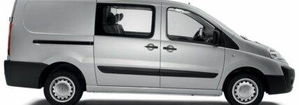 Teamfahrzeug: Peugeot-Expert jetzt auch als Doppelkabine