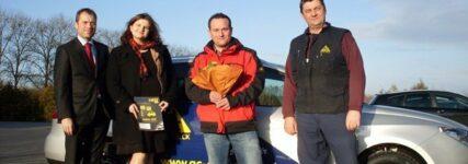 ATR Service übergab Seat an Gewinner des Facebook-Gewinnspiels