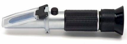 Würth: Optisches Prüfgerät für drei technische Flüssigkeiten