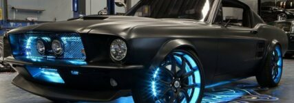 Microsoft baut Ford Mustang zur 'Cloud-Machine' um