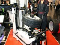 Reifen 2012 / Reifenmontage: Weltneuheit von Haweka