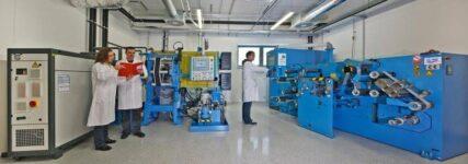 ZSW erforscht Serienfertigung von Lithium-Ionen-Batterien für Automobilbranche