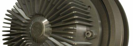 Variabel konzipierte Kühlmittelpumpe von Borg-Warner für Nutzfahrzeuge