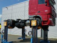 Mobile Radgreifer-Hebebühnen von Hywema für Nutzfahrzeuge
