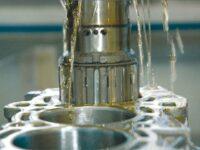 Fraunhofer: Weniger Kraftstoff und Öl durch geringere Reibung am Zylinder