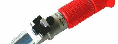 Refraktometer von Busching zur Beurteilung von Flüssigkeiten