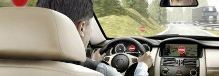 Verkehrszeichenerkennung von Continental warnt vor Falschfahrten