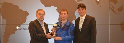 In eigener Sache: Grob-Werke stiften Pokal des KRAFTHAND Technologie-Award