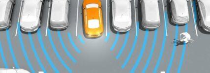 Parkassistent von Conti erkennt beim Rückwärtsfahren querende Fahrzeuge