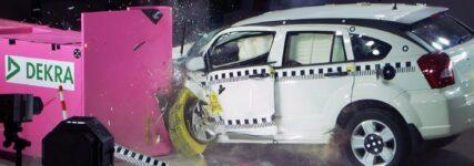 Small-Overlap: Dekra testet Fahrzeuge nach US-Standard