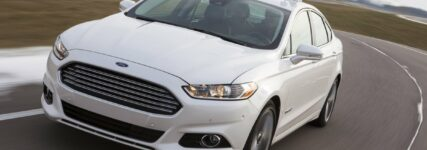 Automatisiertes Fahren: Forschungsfahrzeug auf Basis des Ford Fusion Hybrid