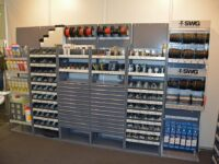 Verbrauchsmaterialien übersichtlich lagern mit Werkstattkonzept von SWG