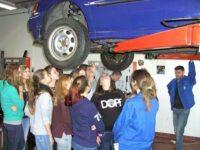 Girls' Day 2014 – Mädchen lernten bei Kfz-Innung Autoberufe kennen