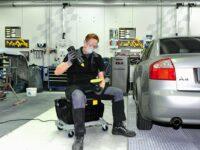Werkstatt-Trolley von Part erlaubt ergonomische Haltung am Arbeitsplatz