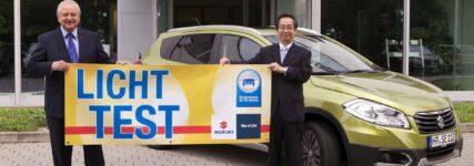 Suzuki SX4 S-Cross beim Licht-Test 2014 zu gewinnen