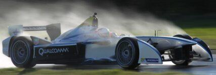 Michelin+Renault: Seriennahe Reifendimensionen in Formelserien