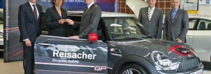 Mini Cooper: BMW unterstützt Augsburger Schulungszentrum
