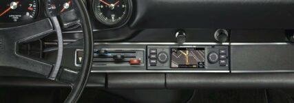 Porsche mit Navi-/Radiolösung für Sportwagen-Klassiker
