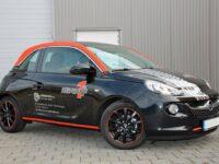 Reifen1+ stattet erste Partner mit exklusiven Kunden-Ersatzfahrzeugen aus