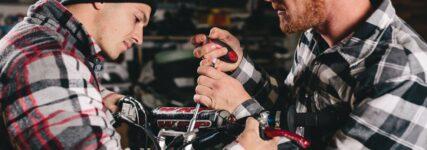 Werkzeuge für Motocross-Schrauber