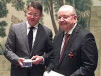 Ehrung: ZDK-Präsident Jürgen Karpinski erhält Verdienstkreuz 1. Klasse