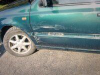 Unfallauto, Schaden an der linken Fahrertür