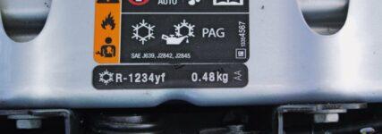 Etikette zur Kältemittelspezifikation