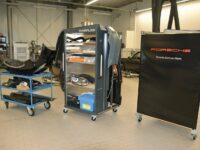 Werkstattwagen für demontierte Fahrzeugkomponenten und Neuteile