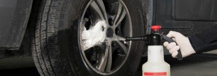 Sprühschaum für saubere Autofelgen