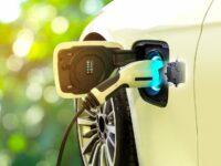 Überarbeitete Ladekabelverriegelung für E-Fahrzeuge