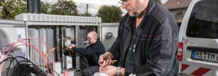 Telekom baut Ladenetz für E-Autos auf