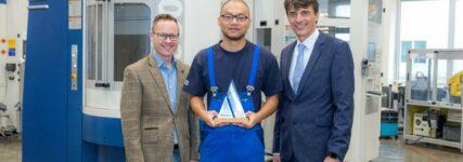 Maschinenbauer GROB stiftet selbstgefertigten Pokal