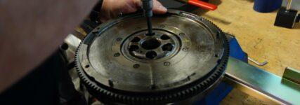 Zweimassenschwungräder prüfen: Luk vs. Sachs