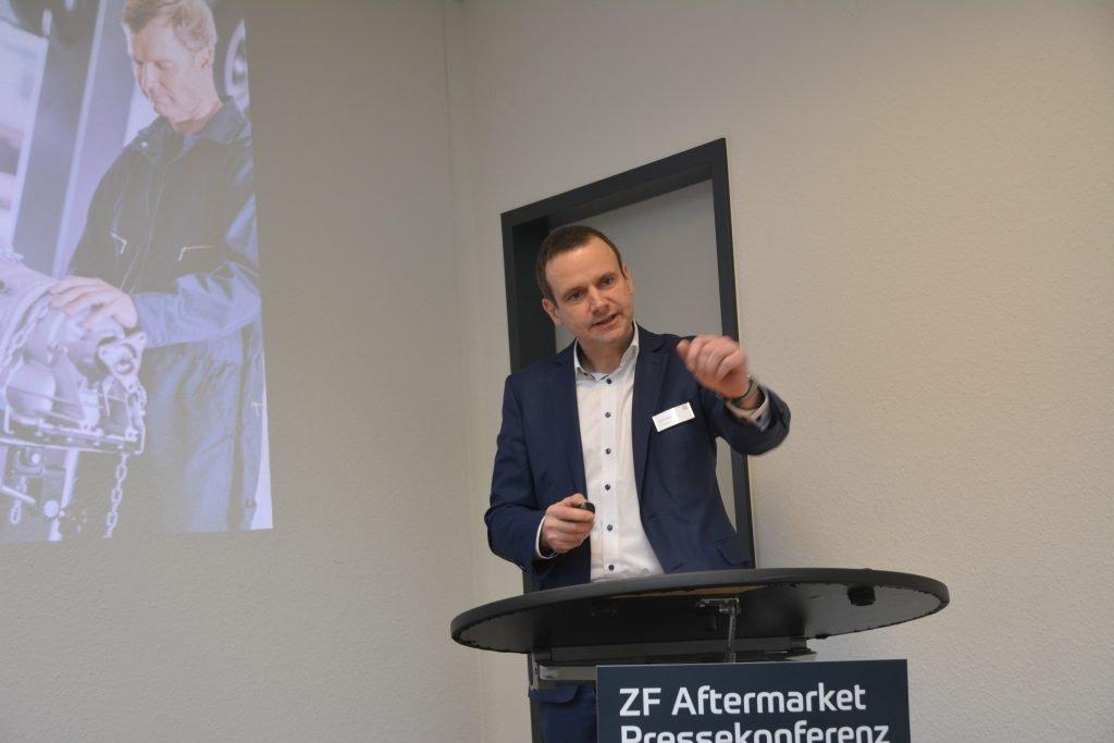 Elmar Bauer bei einer Rede