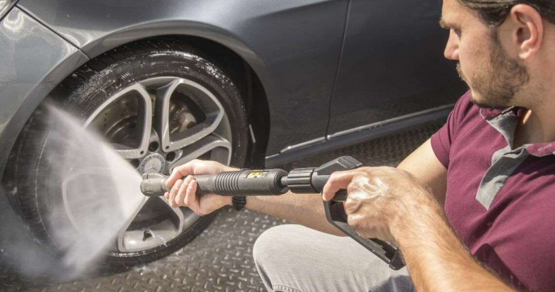 Reifenreinigung mit einem Kärcher Dampfstrahler