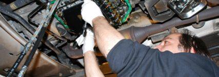 Automatikgetriebe-Spülen: Mit oder ohne Reiniger?