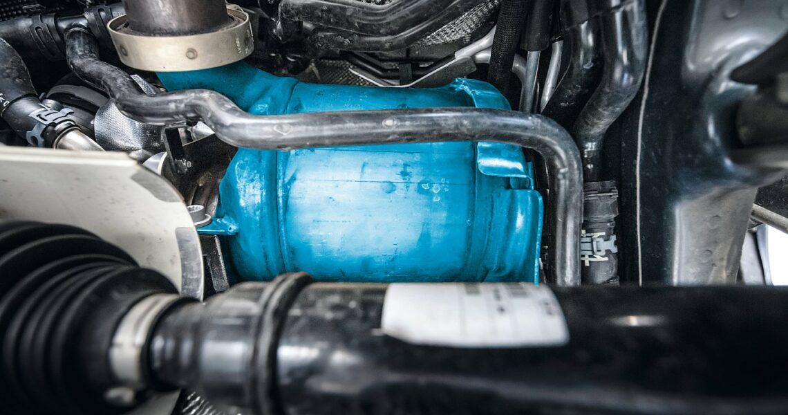 Modul zur Dieselpartikelfilterung im Motorraum