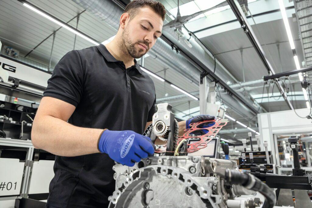 Neuer Turbomotor AMG