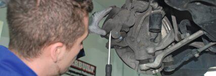 Montagefehler bei laufrichtungsgebundenen Bremsbelägen
