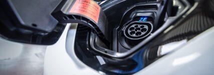 Garantien für Elektro- und Hybridfahrzeuge rücken in den Fokus