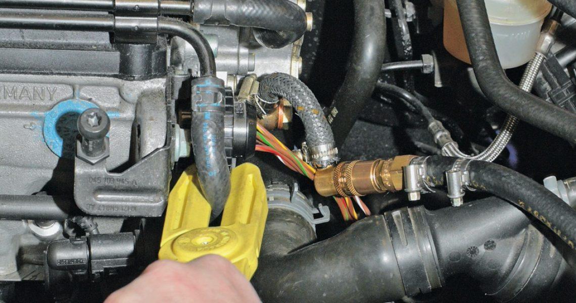 Druckprüfung am Pumpe-Düse-Einspritzsystem