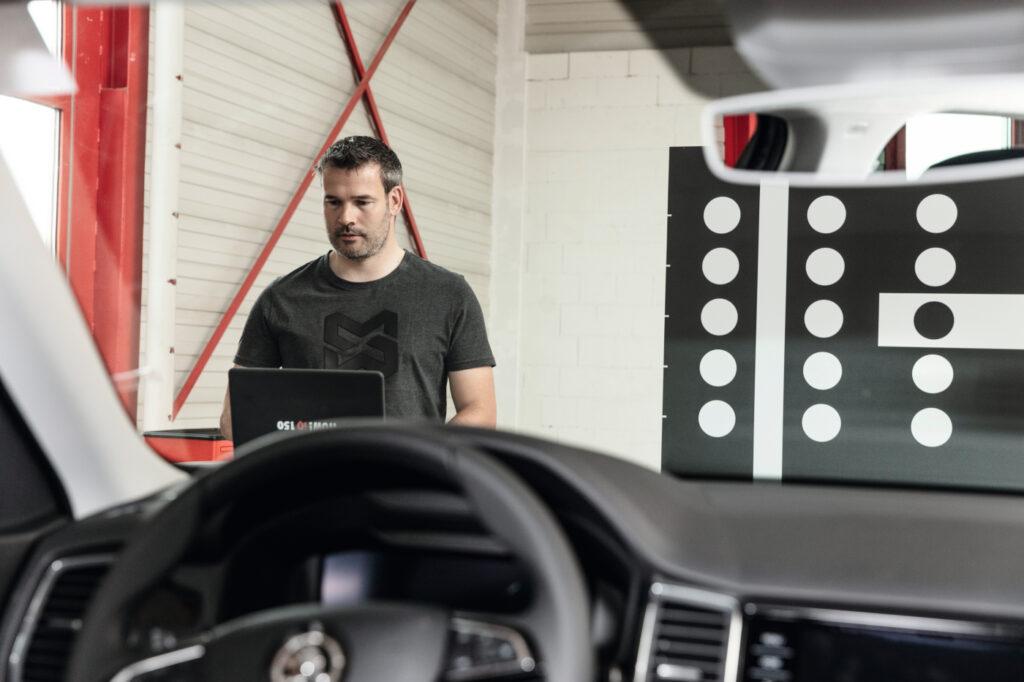 Kaibriersystem für Fahrerassistenzsysteme