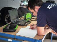 Zwei Bosch-Diagnosegeräte im Vergleichstest