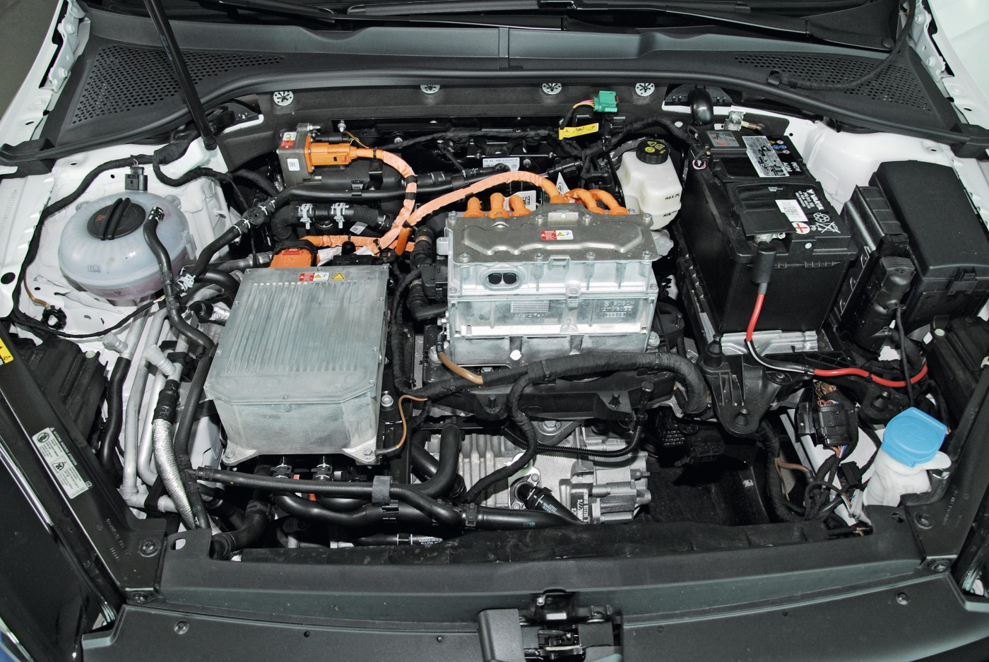 Motorraum eines Elektro-Autos