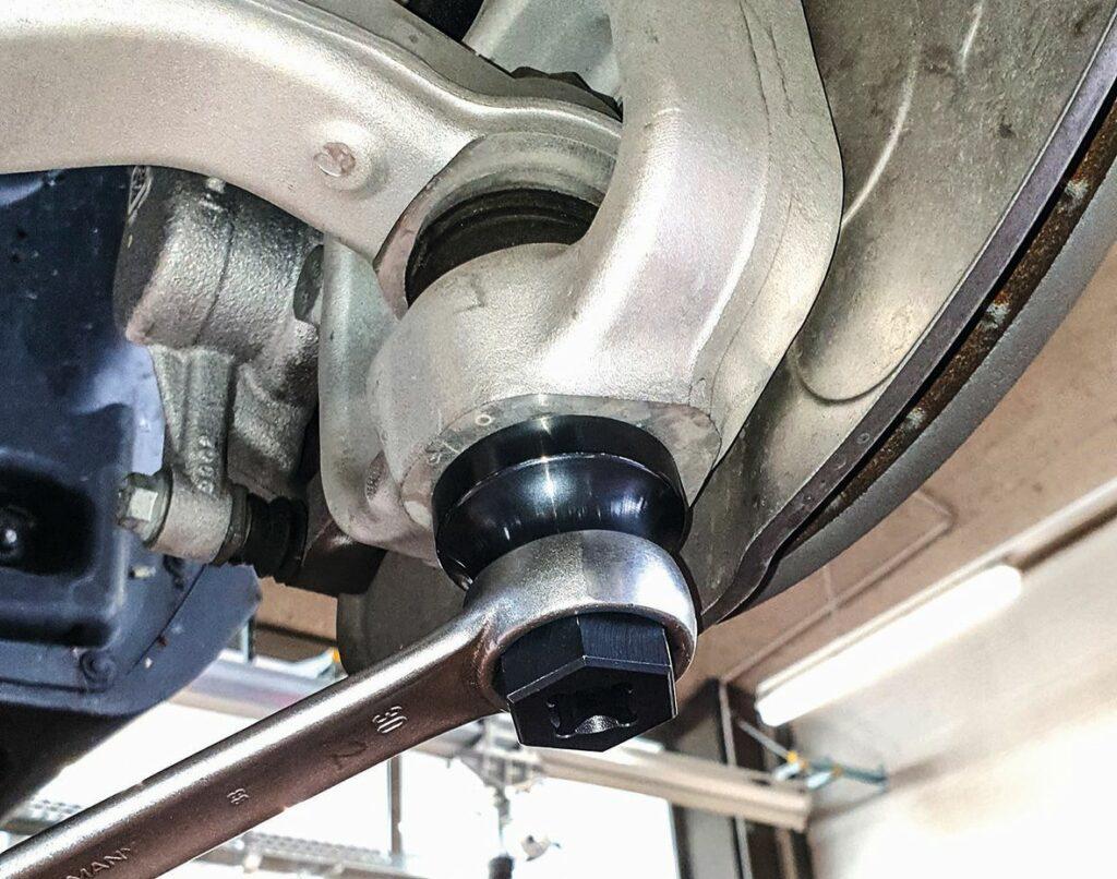 Traggelenk-Steckschlüssel für Mercedes-Benz von Leitenberger