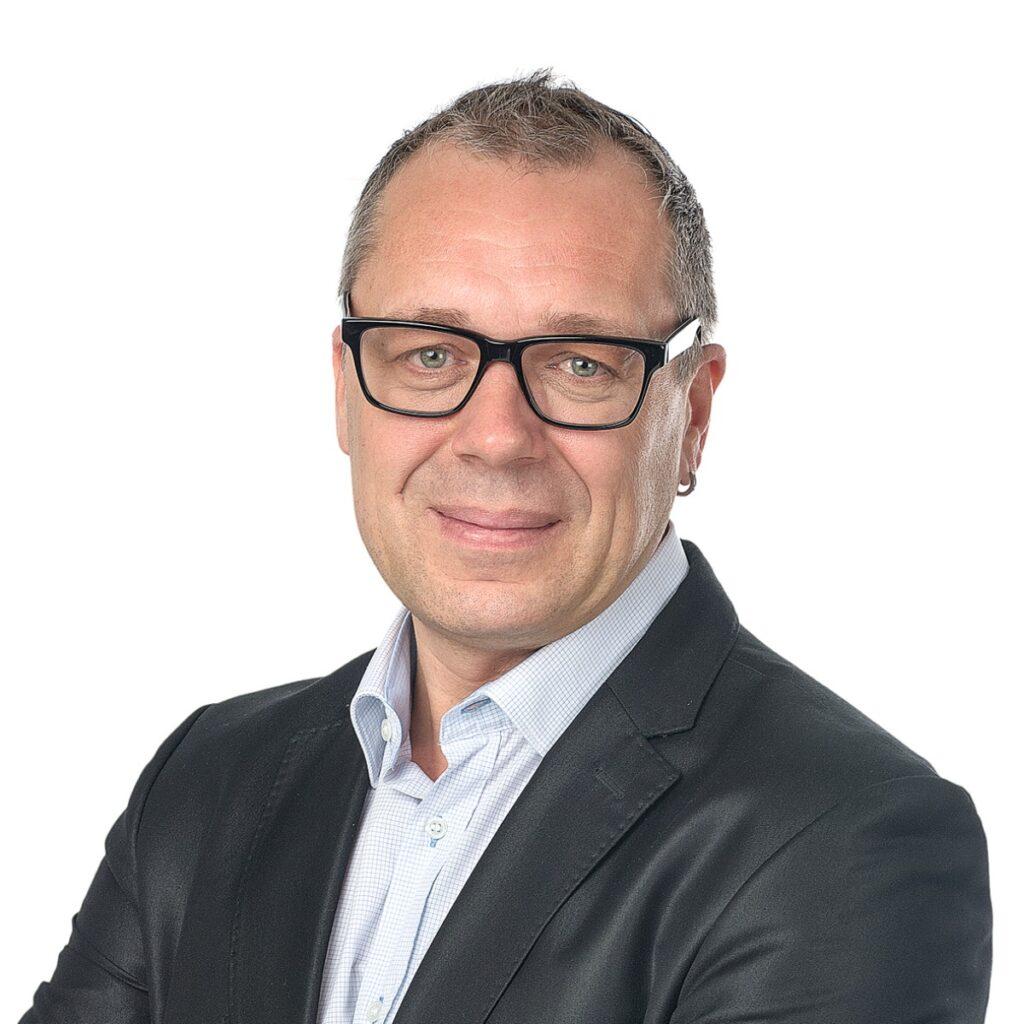 """Torsten Schmidt, Chefredakteur der KRAFTHAND: """"Teils haben Werkstättennoch gar nichts von der Akkreditierungspflicht für die AU gehört. Umso besser, dass das Verfahren jetzt quasi feststeht und die Verunsicherung schwindet."""""""