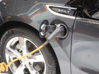 Autohäusern wird Förderung für Ladesäulen versagt