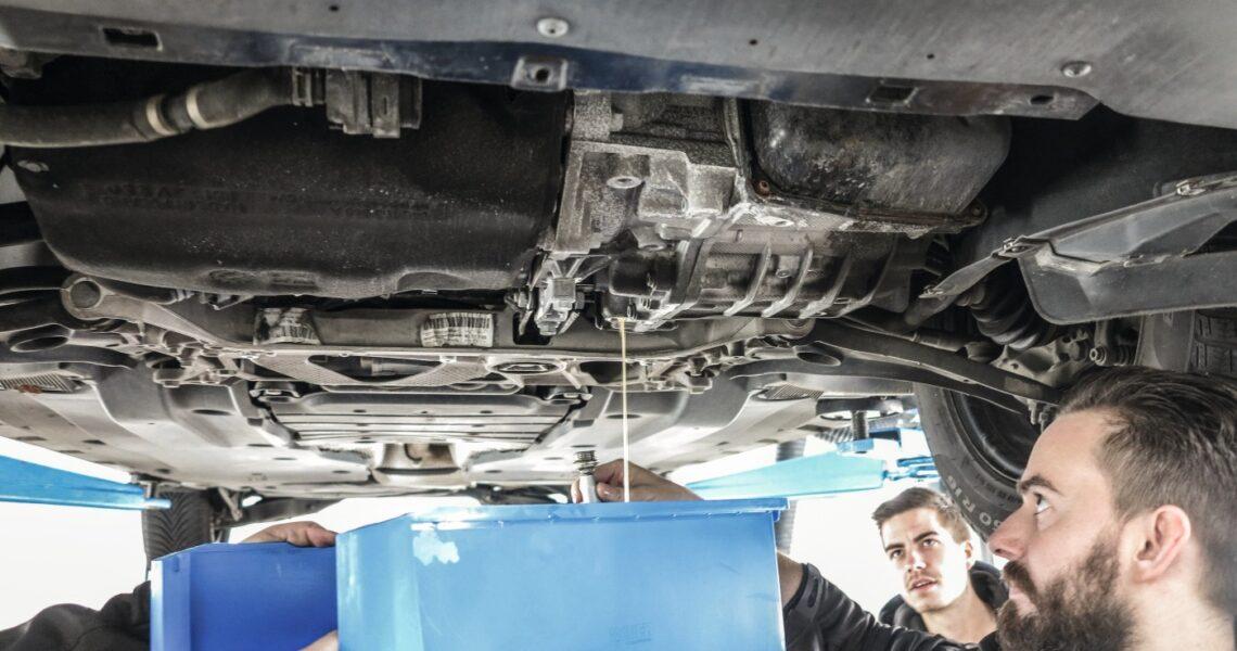 Dynamischer Getriebeölwechsel mit Spülgerät